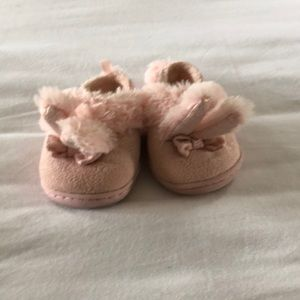 Baby girl pale pink slippers
